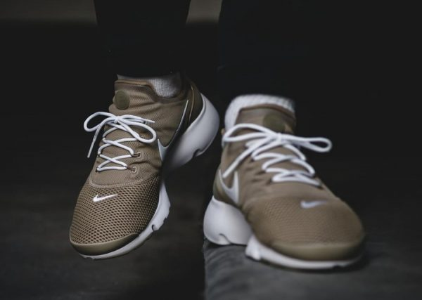 new concept a0be3 cac31 Chaussure Nike Air Presto Fly homme Khaki Beige