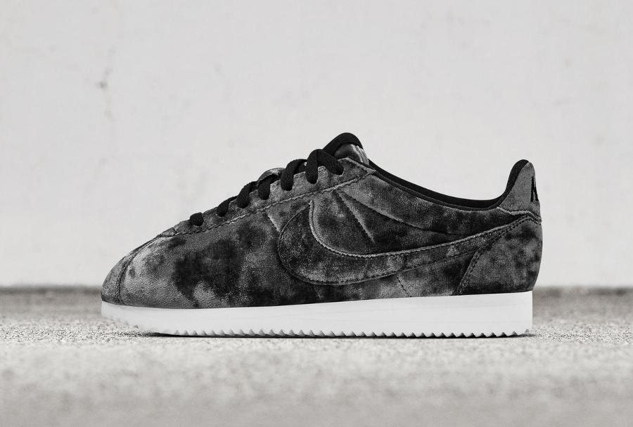 Chaussure Nike Cortez LX femme Velvet Noire Black (1)