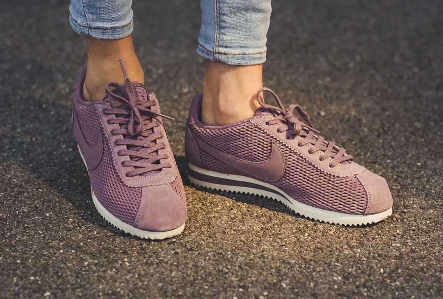 Chaussure Nike Cortez SE femme violette Taupe Grey