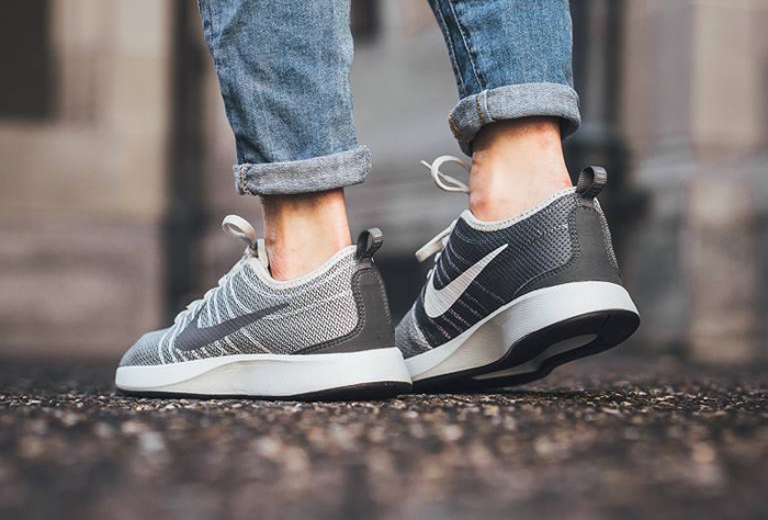 Chaussure Nike Dualtone Racer femme Grise Dark Grey (1)