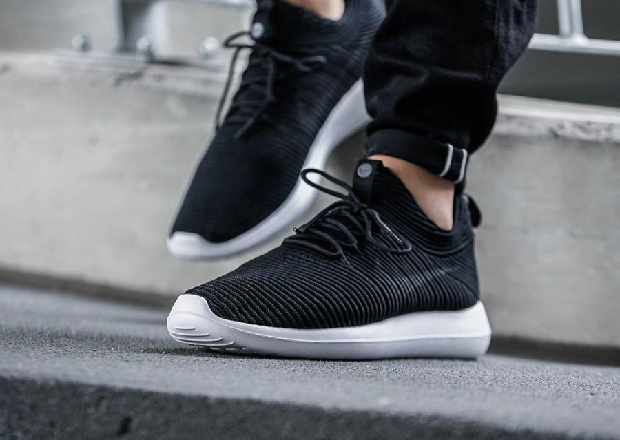 Chaussure Nike Roshe Flyknit Two V2 noire Black White (2)