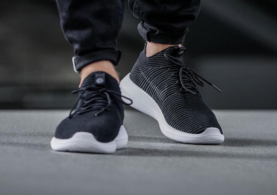 Chaussure Nike Roshe Flyknit Two V2 noire Black White (3)