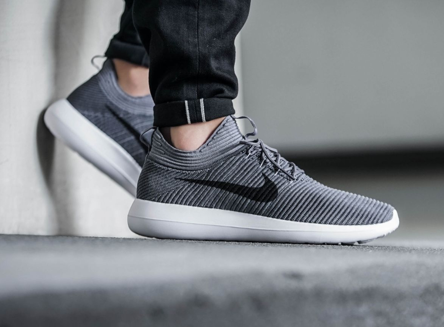 Chaussure Nike Roshe Two Flyknit V2 Grise Dark Grey (2)