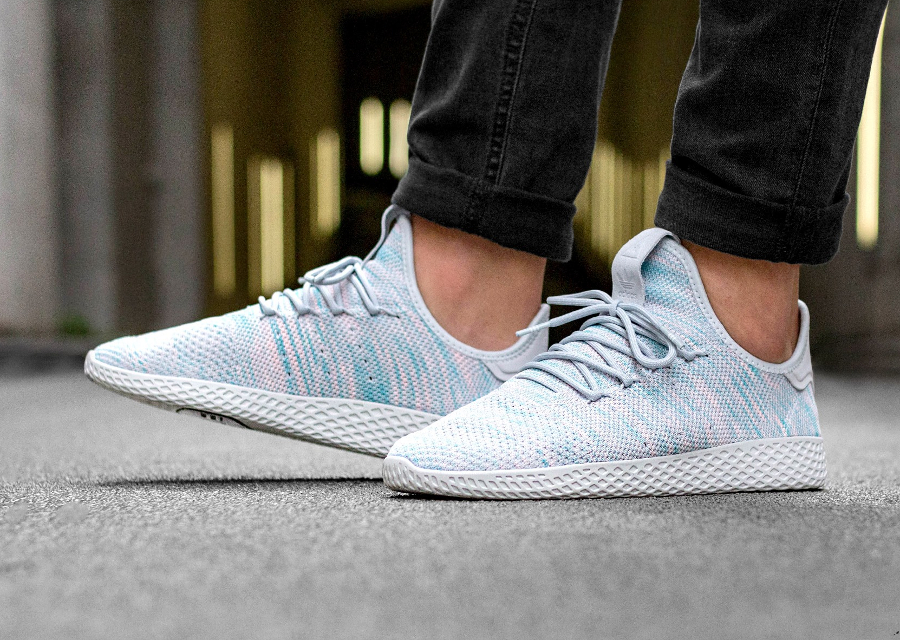 Chaussure Pharrell Williams x Adidas Tennis Hu Noble Ink (4)