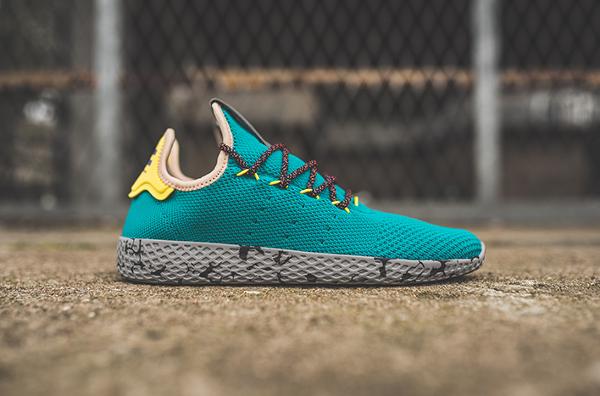 Chaussure Pharrell Williams x Adidas Tennis Hu Purple Night Marine (1)