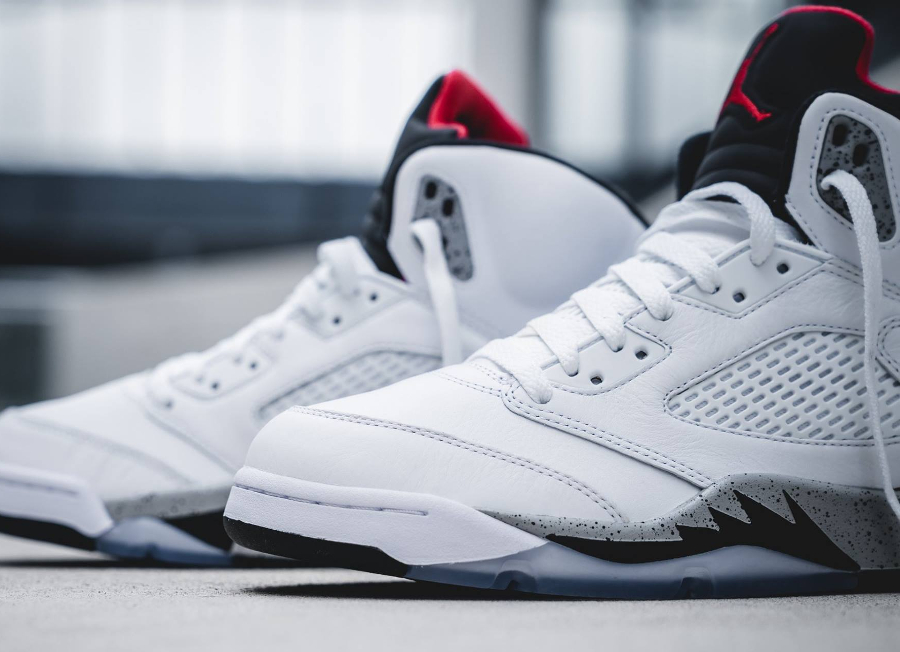 Basket Air Jordan V Retro White Cement (2)