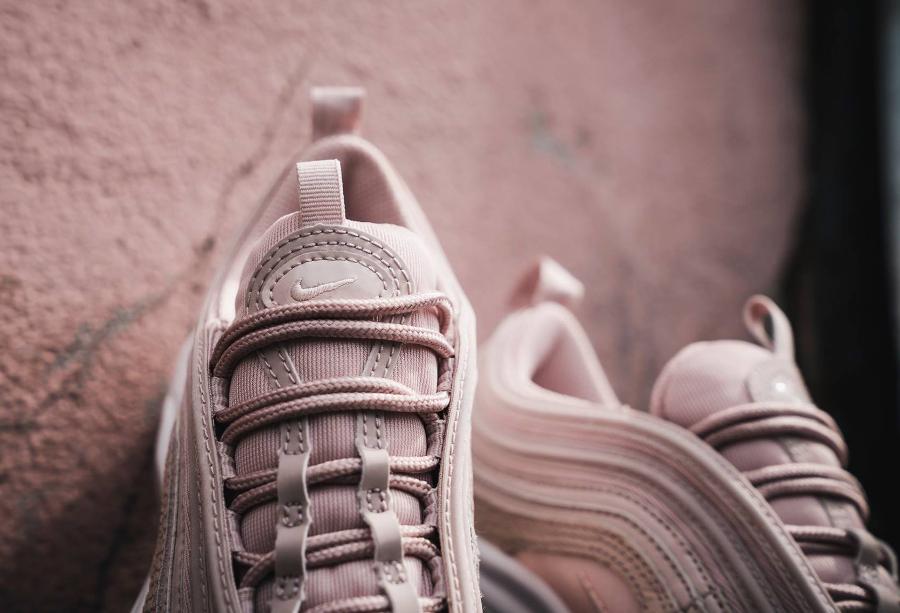 Basket Nike Wmns Air Max 97 Premium Snakeskin Silt Red (3)
