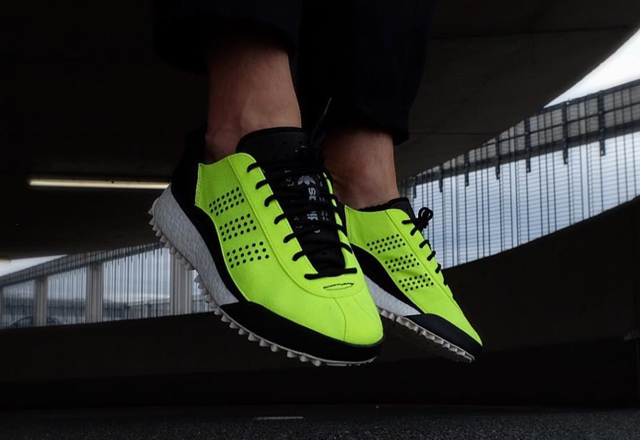 Chausssure Alexander Wang x Adidas AW Hike Low Jaune Fluo