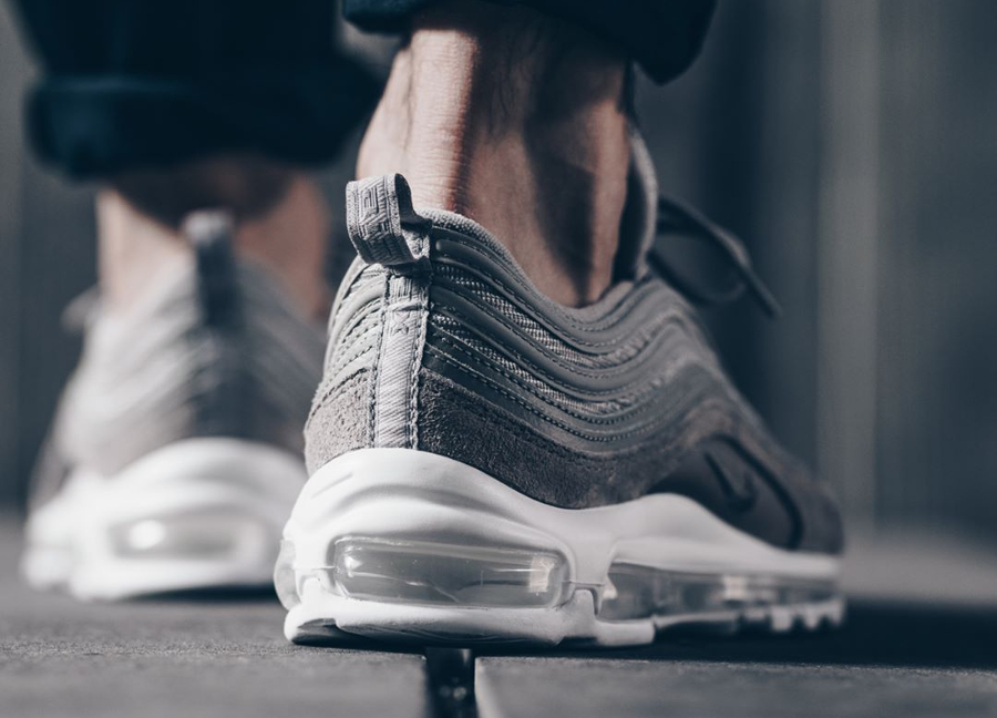 Chaussure Nike Air Max 97 Grise Cobblestone Suede (1)