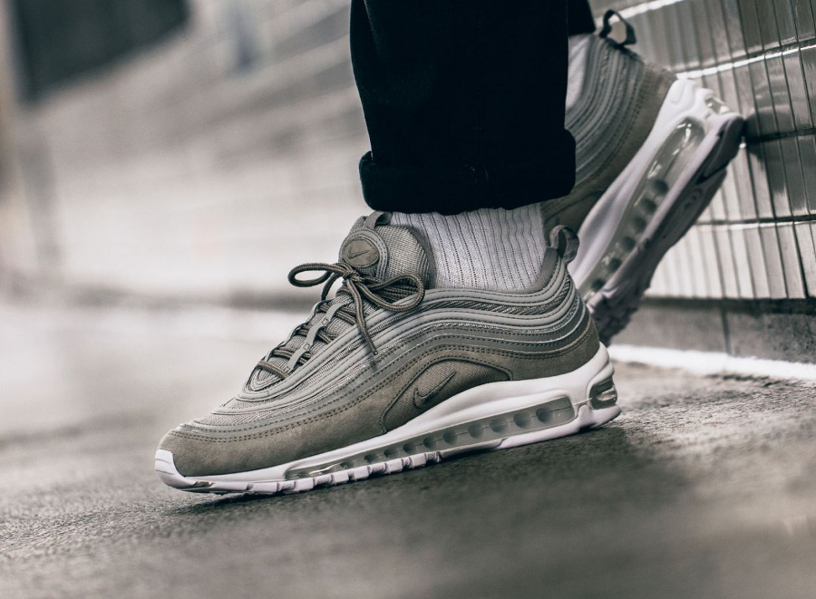 Chaussure Nike Air Max 97 Grise Cobblestone Suede (2-3)