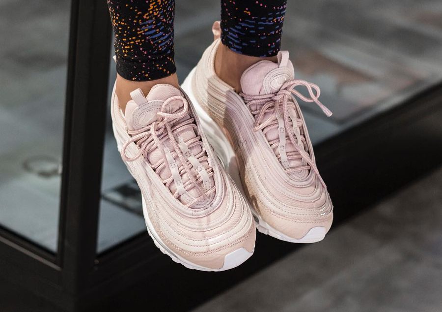 Chaussure Nike Air Max 97 femme PRM Rose 'Pink Snakeskin (3)