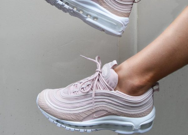 new products 6ba6d e3e16 Chaussure Nike Air Max 97 femme PRM Rose  Pink Snakeskin ...