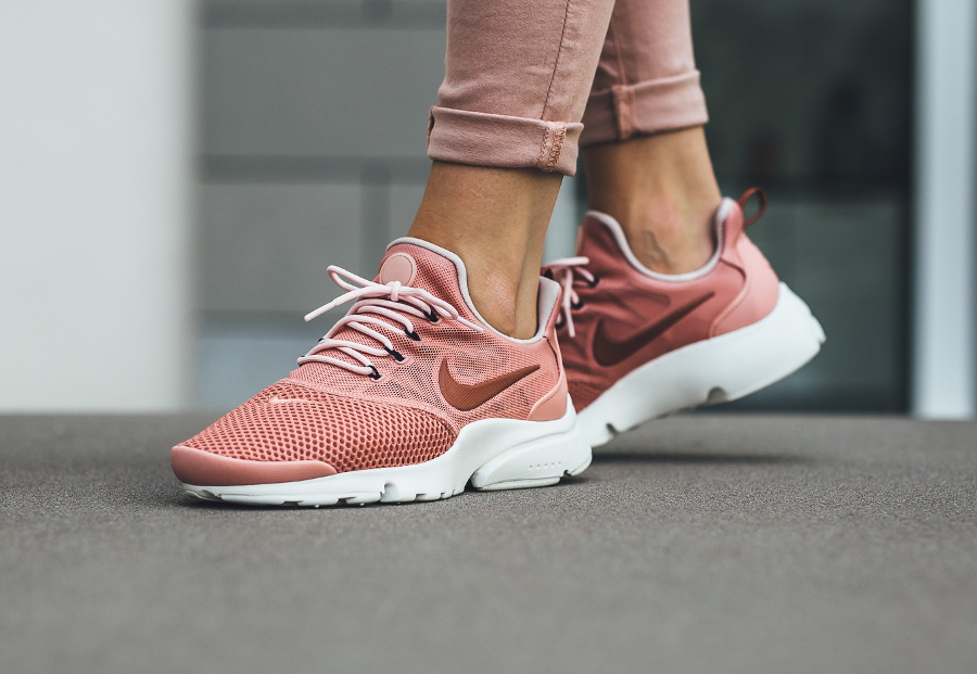 Nike Wmns Air Presto Fly 'Red Stardust'