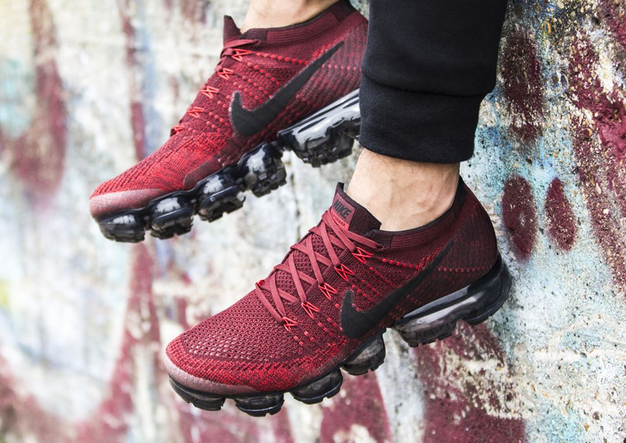 Chaussure Nike Air Vapormax Flyknit Team Red Rouge Profond (1)