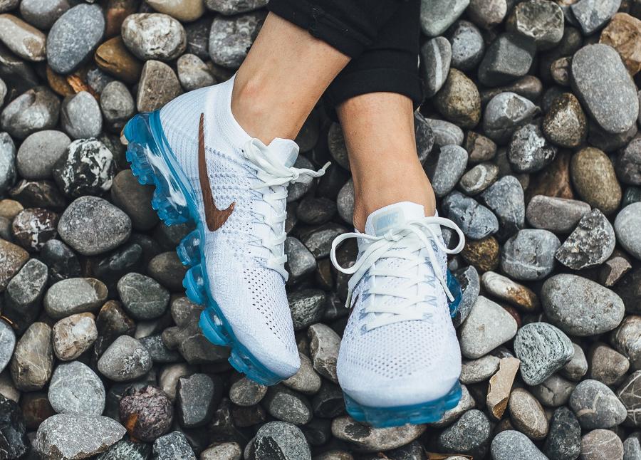 Chaussure Nike Air Vapormax femme White Explorer Bronze Swoosh (1)