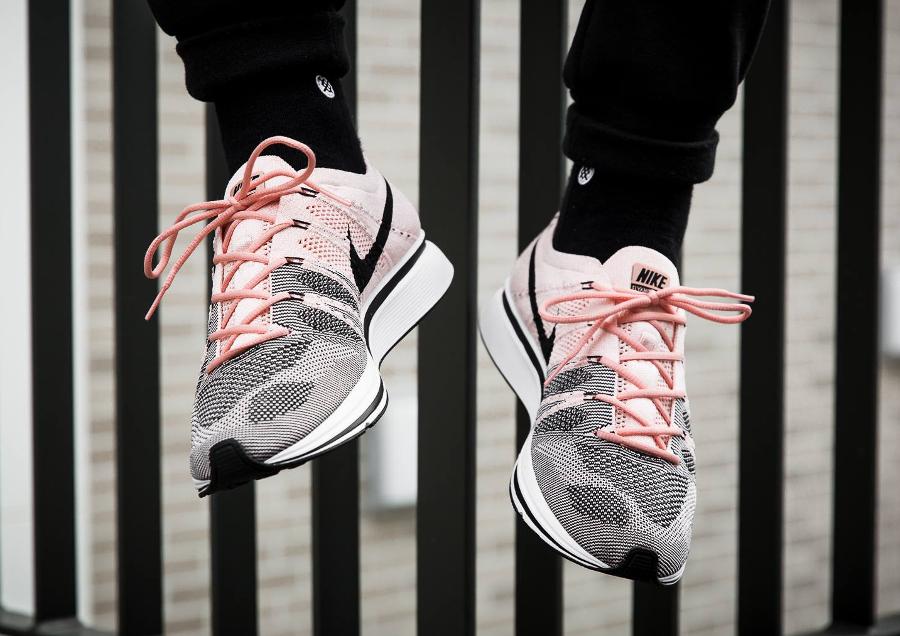 88207cf39b23 Nike Flyknit Trainer Rose Sunset Tint   Pale Grey   Avis