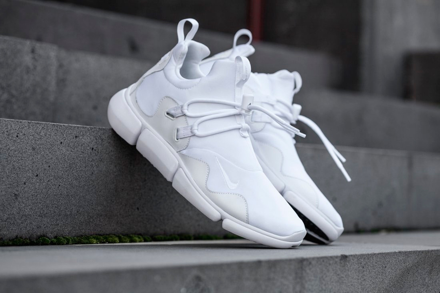 Chaussure Nike Pocketknife DM White (1)