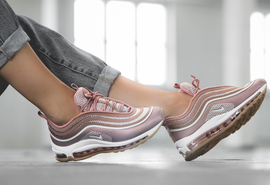 Chaussure Nike Wmns Air Max 97 Ultra femme Metallic Rose Gold (2)