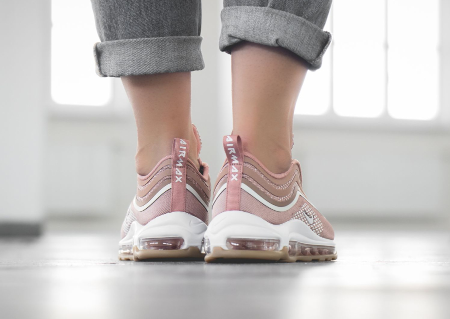 Chaussure Nike Wmns Air Max 97 Ultra femme Metallic Rose Gold (3)