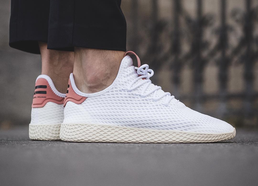 Chaussure Pharrell Williams x Adidas Tennis Hu Pastel White Raw Pink (1)