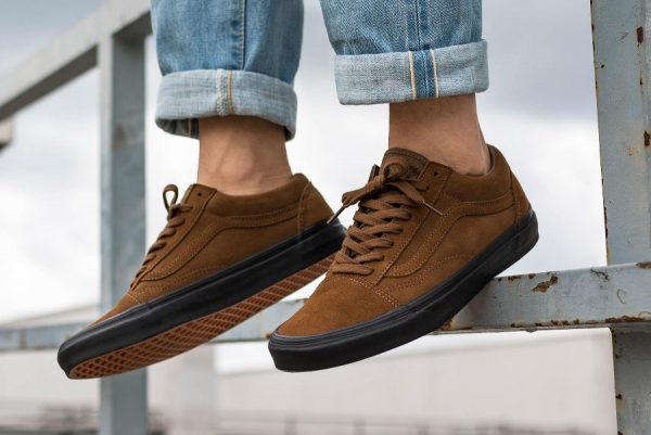 Chaussure Vans Old Skool Reissue Suede Teak Black' (2)