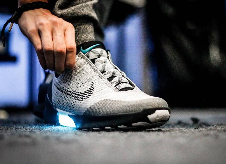 Nike Hyperadapt 1.0 Metallic Silver - @darrenfitzgerald_