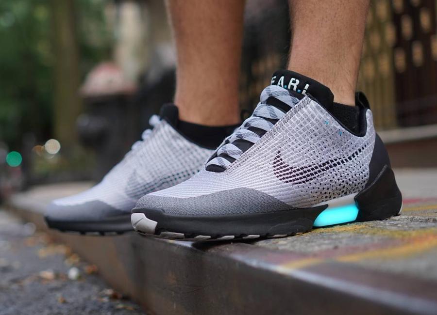 Nike Hyperadapt 1.0 Metallic Silver - @frostythecashman_ (1)