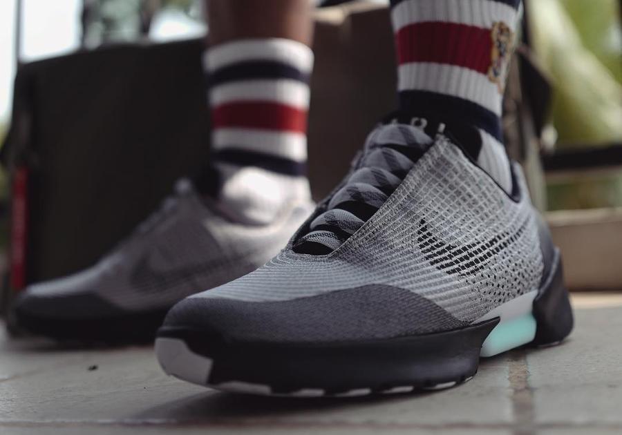 Nike Hyperadapt 1.0 Metallic Silver - @naldyf