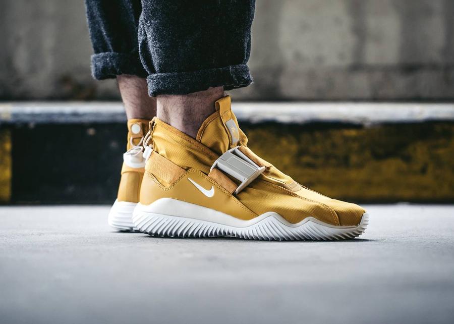 chaussure-nike-kmtr-premium-jaune-mineral-yellow