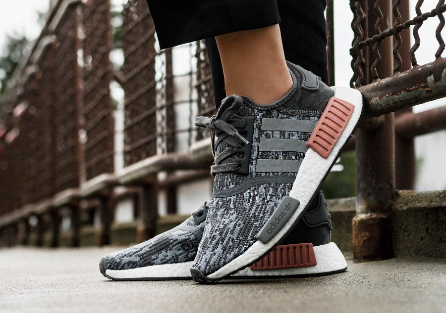 adidas-nmd-r1-w-digi-camo-grey-five-BY9647 (2)