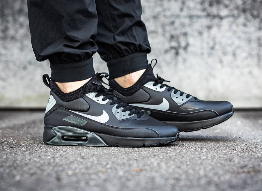 Nike Air Max 90 Ultra Mid Winter (Black Cool Grey Anthracite