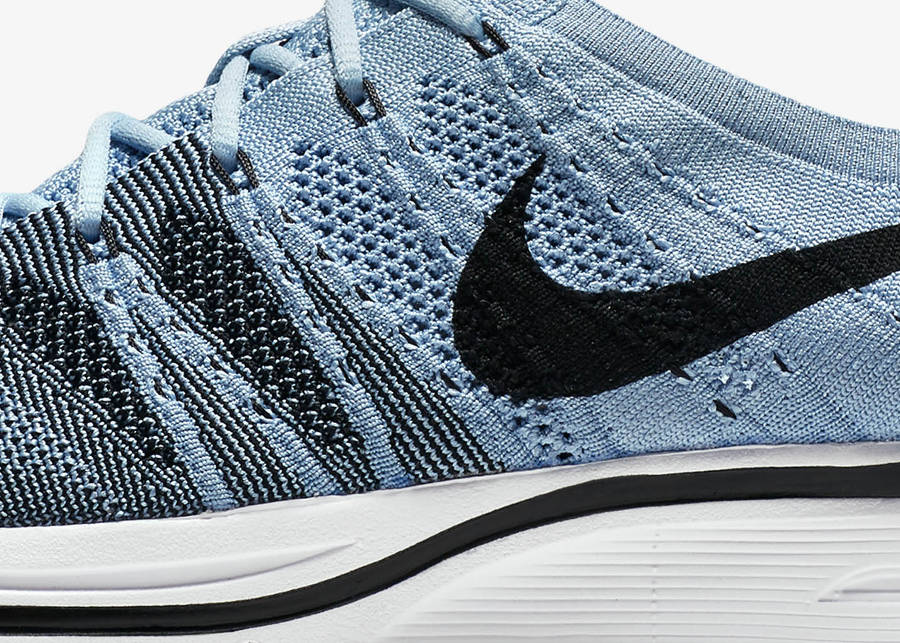 basket-nike-flyknit-trainer-homme-cirrus-nuage-AH8396-400 (2)