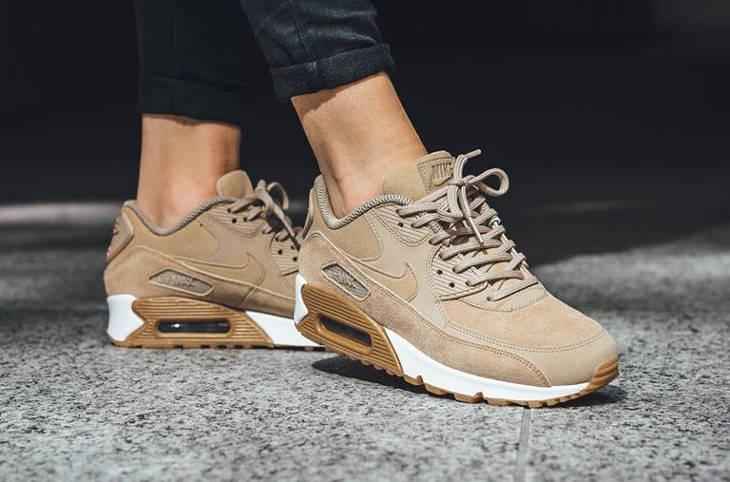 Nike Air Max 90 femme SE 'Mushroom Gum' (daim beige)