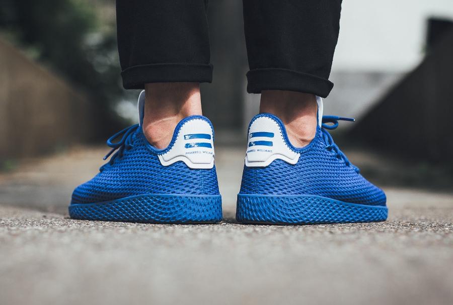 basket-pharrell-adidas-tennis-hu-bleu-blue-cp9766_07 (1)