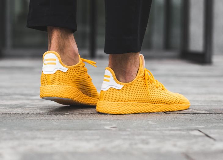 basket-pharrell-adidas-tennis-hu-jaune-collegiate-gold-CP9767 (1)