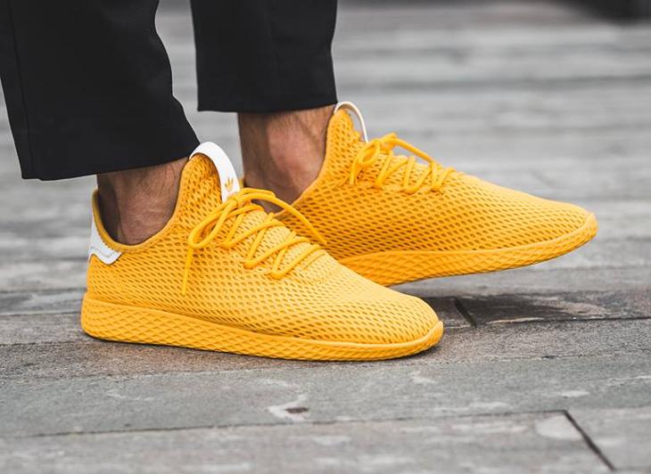 basket-pharrell-adidas-tennis-hu-jaune-collegiate-gold-CP9767 (2)