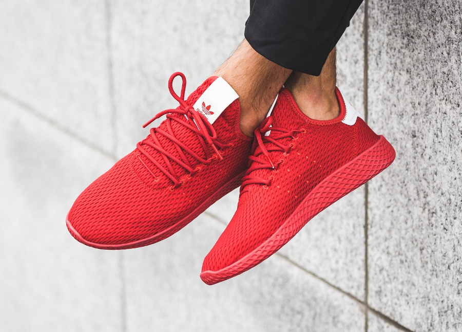 basket-pharrell-adidas-tennis-hu-rouge-scarlet-BY8720_07 (1)