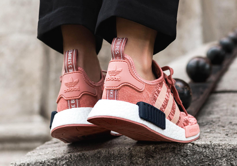 chaussure-adidas-nmd-r1-femme-digi-camo-rose-raw-pink-BY9648 (1)