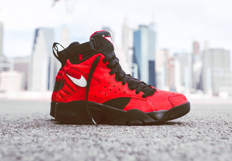 chaussure-kith-nike-maestro-2-high-take-flight-red-suede-rouge (1)