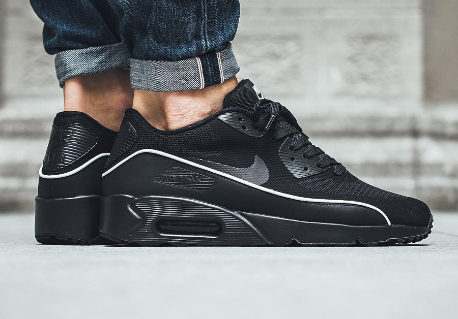 Nike Air Max 90 Ultra 2.0 Essential 'Black Mint Foam'