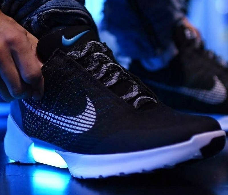 nike-hyper-adapt-1-0-black-blue-lagoon-843871-001 (2)