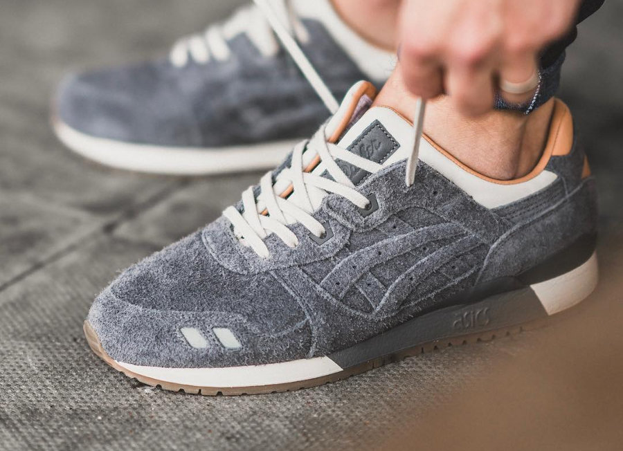 packer-shoes-jcrew-asics-gel-lyte-III-charcoal-suede-1