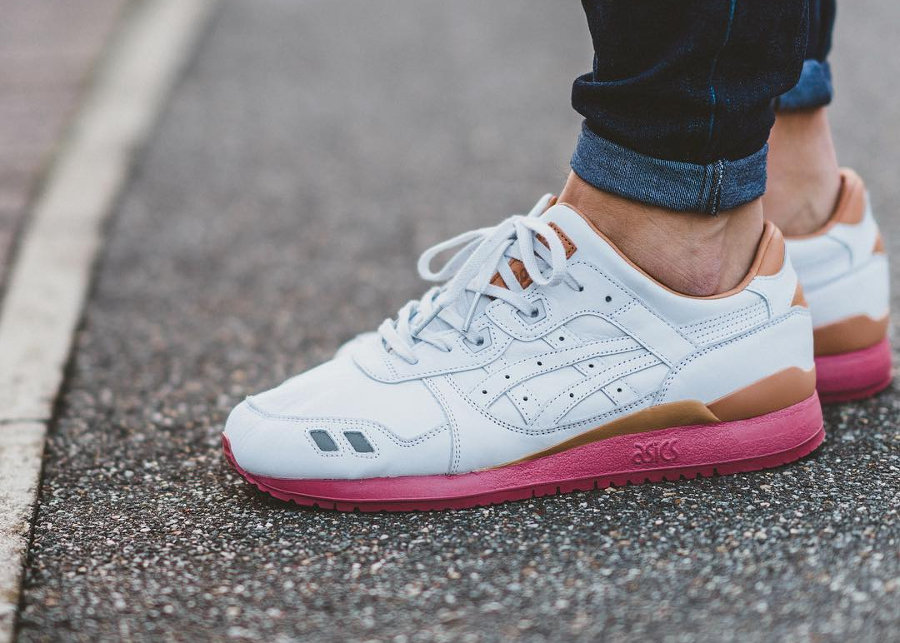 packer-shoes-jcrew-asics-gel-lyte-III-white-buck-2