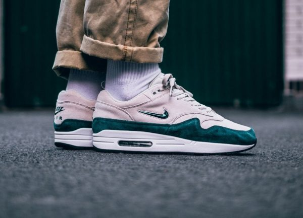 Chaussure Nike Air Max 1 Premium SC Jewel Atomic Teal Suede
