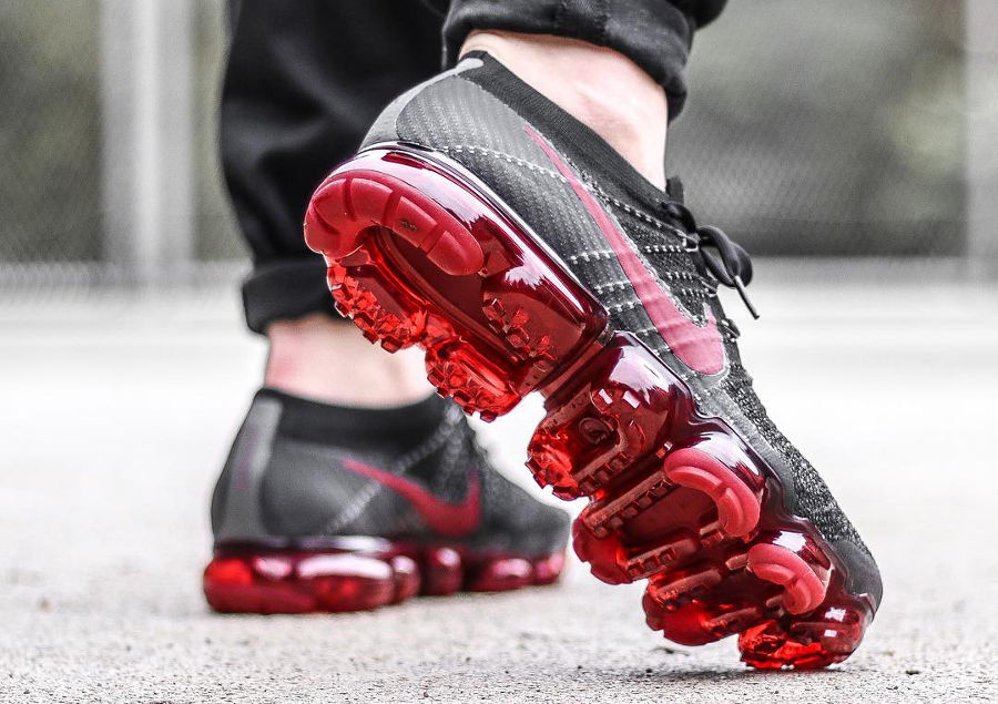 Nike Air Vapormax Black Dark Team Red - @cedric_castex