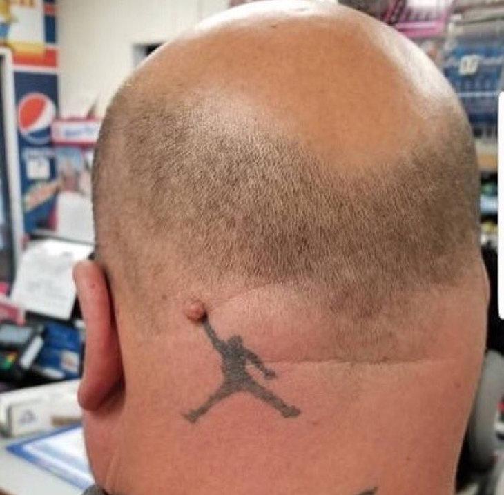 tatouage Air Jordan (Jumpman) sur le crâne