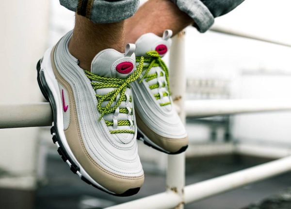 avis-chaussure-nike-wmns-air-max-97-light-bone-deadly-pink-mushroom-921733-004 (couv)