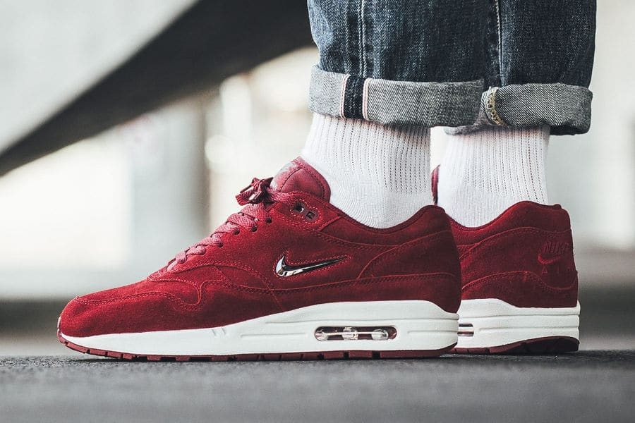 magasin en ligne fb57e da782 Nike Air Max 1 PRM SC Jewel Rouge 'Team Red Suede'