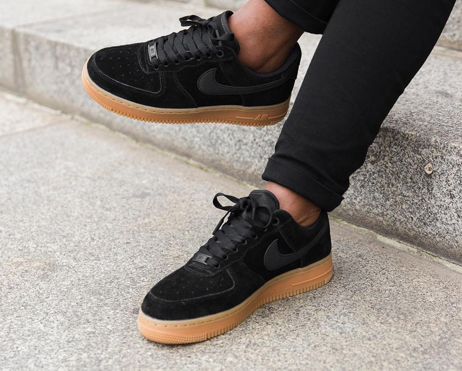 basket-nike-wmns-air-force-1-low-07-se-suede (2)