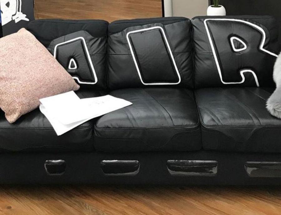 canapé Nike Air More Uptempo - @leoschang